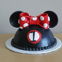Minnie Mouse and Minnie Ears Hat smash cake