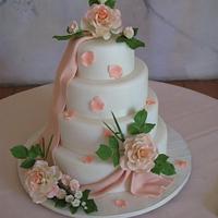 Ivory Fondant and Peach Sugar Roses Wedding Cake