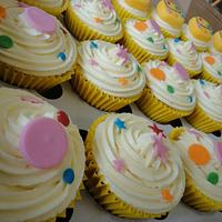 Mr tumble polka dot spotty bag stars birthday cupcakes