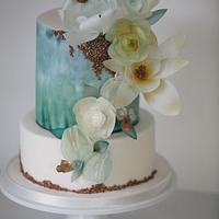 Waterside cake with flowers