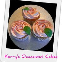 Pretty rose swirl cupcakes  by Kerry
