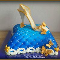 Cinderella 2 Pilow cake