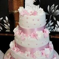 pretty pink and white wedding cake