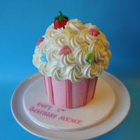 Smash Cupcake  Cake