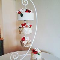 Autumnal hanging wedding cake