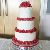Red Roses and Pearls Wedding Cake