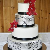 Wedding cake in silver.
