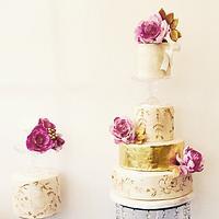 Vintage style peony wedding cake.