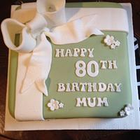 Birthday bow cake