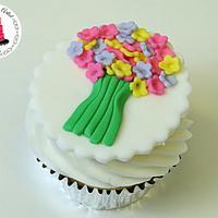 Spring Flower Bouquet Cupcake Topper!