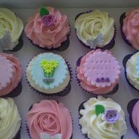 mothers day cupcakes.