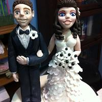 Fondant bride and groom