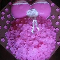 Pregnant belly and boobs cake