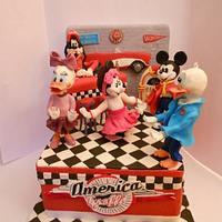 ROCK'N'ROLL DISNEY'S CAKE