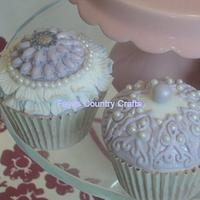 Lavender and lace cupcakes by ladyfaeuk