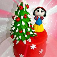 Snow White and her Christmas Tree