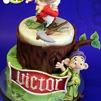 Snow White / Grumpy & Dopey Cake