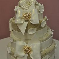 Laced wedding cake