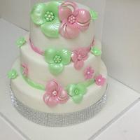 Pretty Pink and Lime  by Que's Cakes
