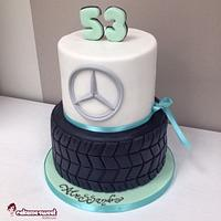 Tire Mercedes cake