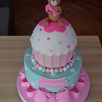 Sweet cake bear