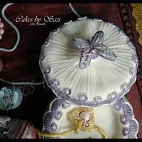 Jewellery/ Trinket Box on a table cake