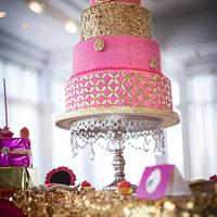 The golden pink by M fuschia  & gold wedding cake