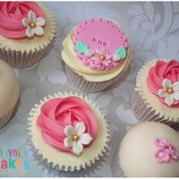 Mothers Day Cupcakes by Dollybird Bakes