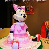 3D Minnie Mouse Fondant Cake