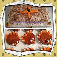 Thanksgiving cake and cupcakes