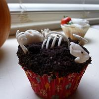 Gluten Free Creepy Skeleton Cupcakes