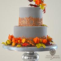 autumn cake with wreath