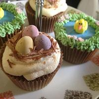 Easter cupcakes by Daisychain's Cakes