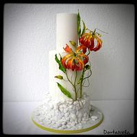 Wedding cake with Pebbles and Gloriosa