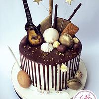 Music Drip-Cake