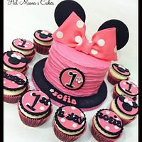 Minnie Mouse Smash cake and Cupcakes!
