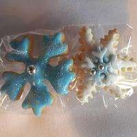 """""""Frozen"""" snowflake cookies"""