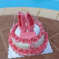 Pouent cake for a little ballerina!