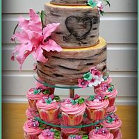 Tree trunk weddingcake
