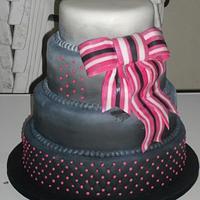 Black, white and fuschia wedding cake
