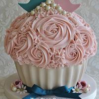Love Bird Cake and Cupcakes