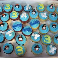 Happy Feet themed cupcakes