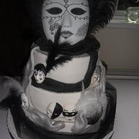 black/white harlequin masks wedding cake