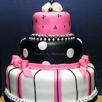Black Pink & White Cake