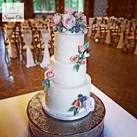 x Rustic Buttercream & Roses Wedding Cake x