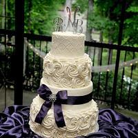 Vintage swirl rose wedding cake