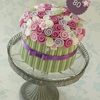 Single tier bouquet cake