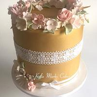 Gold floral wreath cake