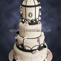 Birdcage Cameo Wedding Cake