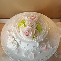 A small and simple wedding cake